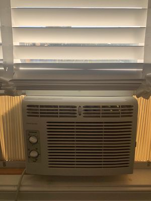 Window AC Unit for Sale in Washington, DC