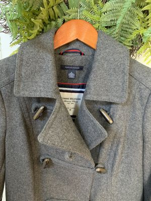 Tommy Hilfiger Womens Coat Size 6 Toggle Buttons for Sale in Woodbridge, VA