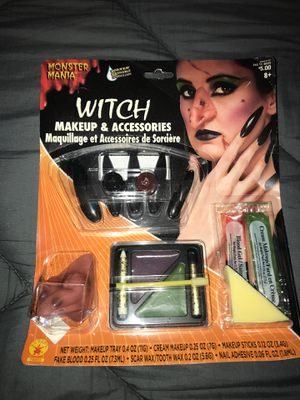 New which make up in accessory set for Sale in San Diego, CA