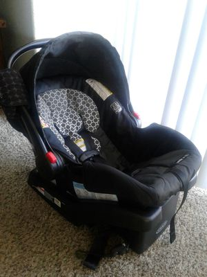 Graco click connect car seat with base for Sale in Scottsdale, AZ