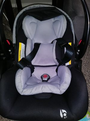 Baby Trend infant car seat/carrier for Sale in Sugar Creek, MO