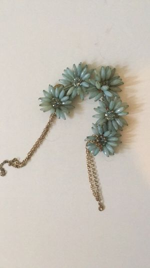 Beautiful beaded flower necklace for Sale in Los Angeles, CA