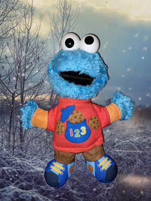 Sesame Street Talking 123 Cookie Monster. Just press his tummy for fun phrases or hear him sing. for Sale in Bellflower, CA