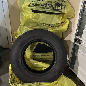 Tires Rough Country Toyo AT Awesome Deal!! for Sale in Issaquah, WA