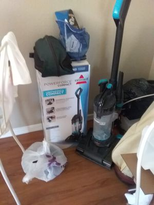 Bissell vaccum carpet and hardwood used 2 times works perfect washable filter for Sale in Mesa, AZ