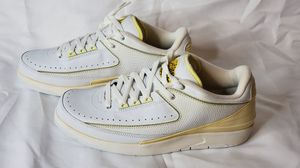 Air Jordan 2 low White-Maize 2005 New for Sale in Austin, TX