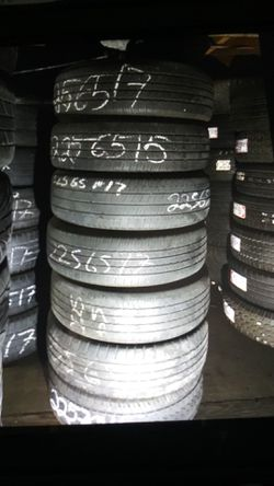 USED tire 225 65 17 instaled includes each ELMOFLES for Sale in City of Industry,  CA
