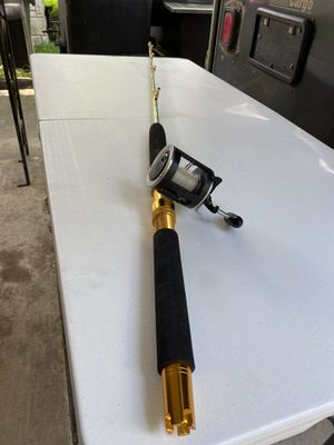 CUSTOM BOAT ROD 5-1/2' with a Penn reel. Trade for Sale in Pasadena, TX