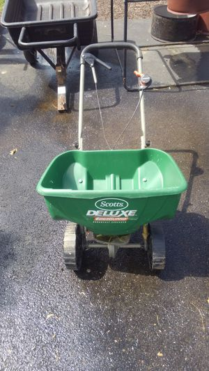 Scott's Lawn Spreader for Sale in Middleburg, PA