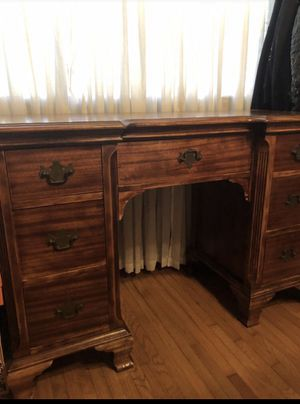 Beautiful antique desk for Sale in Los Angeles, CA