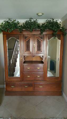 Beautiful Armoire/Cabinet (5 pieces) for Sale in La Habra, CA