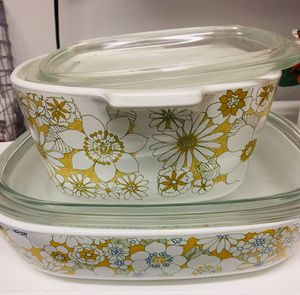 2 Pc Lot Kitchen CORNING WARE casserole DAISY FLORAL for Sale in Anaheim, CA