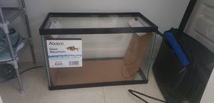 10 g fish tank for Sale in Miami, FL