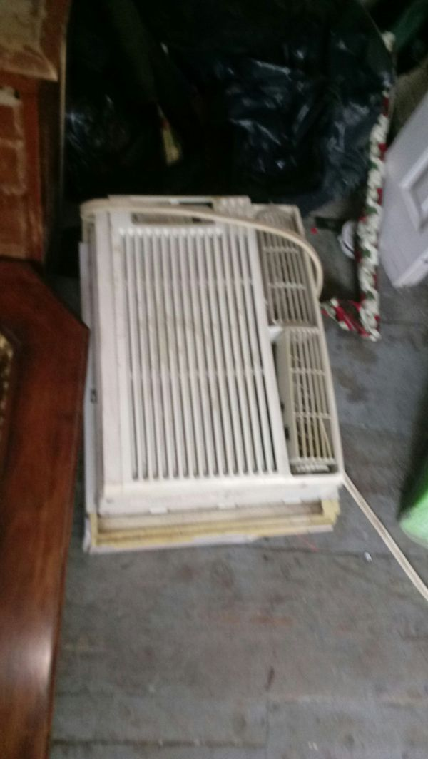 Name brand air conditioner for the window, 8K BTUs