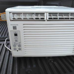 Frigidaire 5,000 BTU Air conditioner for Sale in Vancouver, WA