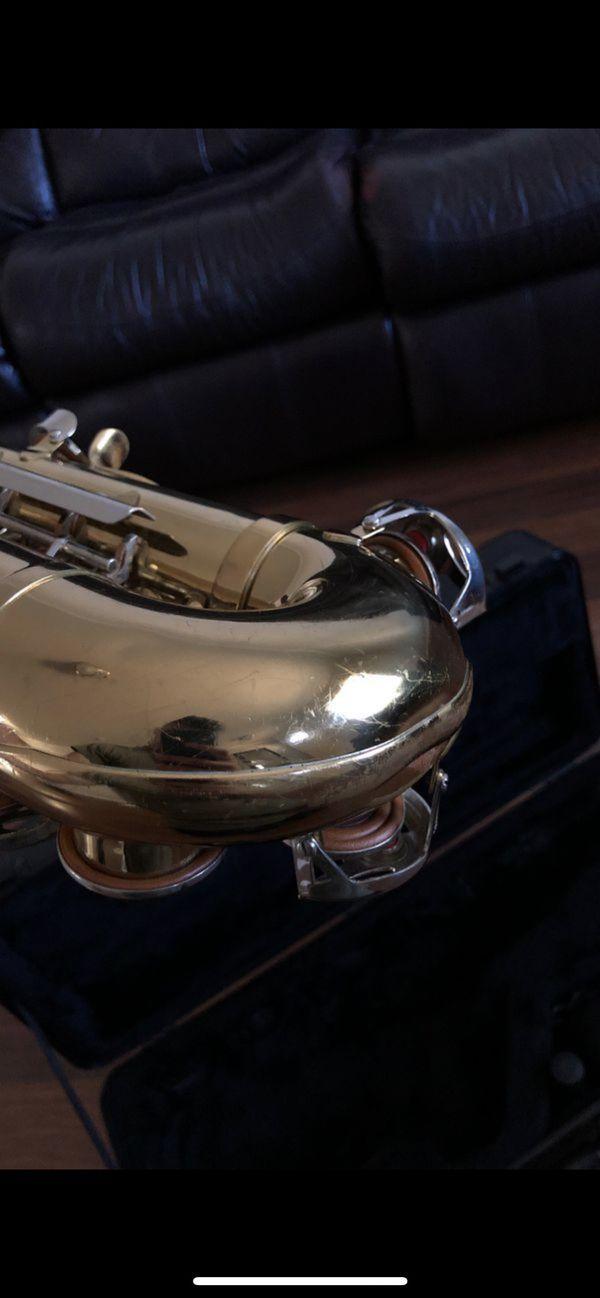King Empire 665 alto Saxophone