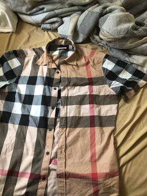 Burberry shirt for Sale in Woodlawn, MD