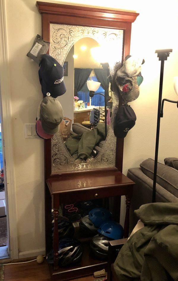 Entryway Mirror/hat Hooks