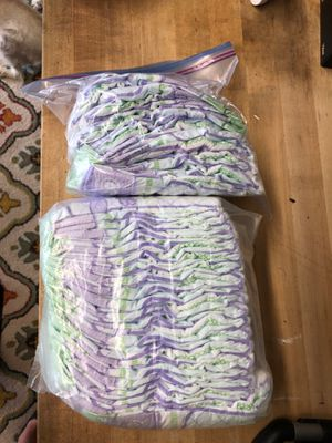 Size 3 luvs diapers for Sale in Hoffman Estates, IL