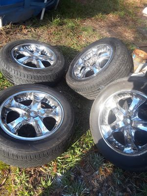 Tires whit rins 18 universals for Sale in Apex, NC