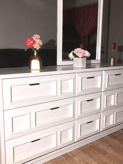 Dresser White for Sale in Vernon,  CA