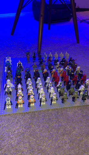 LEGO StarWars Minifigure Lot of 93 figures and droids for Sale in El Cajon, CA