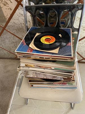 35 (est) Vinyl Records for Sale in San Diego, CA