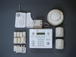 Simon XT complete home security system for Sale in Lansdowne, VA