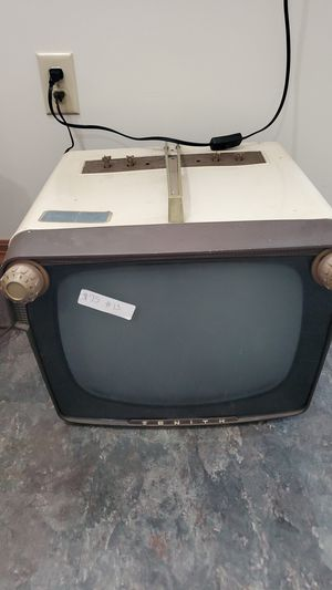 Vintage zenith TV works for Sale in Northumberland, PA