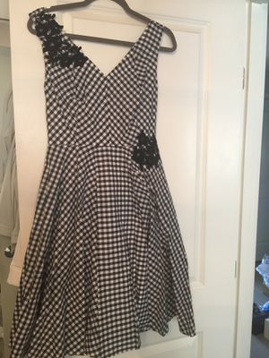 Black and white dress Size 4 for Sale in Bellevue, WA