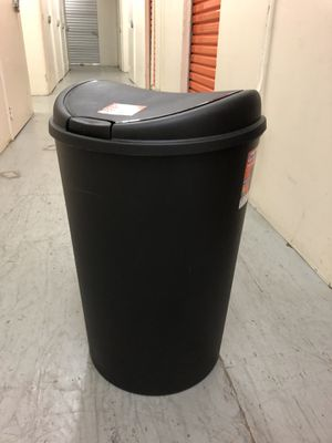 Free Trash Can 13gal for Sale in Seattle, WA
