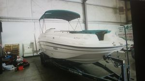 1998 CHAPARRAL SUNESTA 252 LIMITED EDITION 25 feet. DECK BOAT for Sale in Modesto, CA