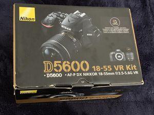Nikon D5600 DSLR Digital SLR Camera with 18-55mm Lens - Black USA MODEL for Sale in Doral, FL