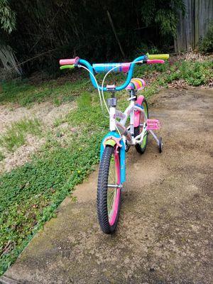 Girls bike 20 inch for Sale in Hyattsville, MD
