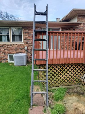 10 ft ladder to 20 ft for Sale in Oak Forest, IL