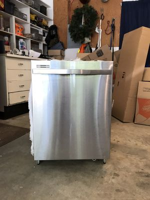 Whirlpool Stainless Steel Dishwasher for Sale in Everett, WA