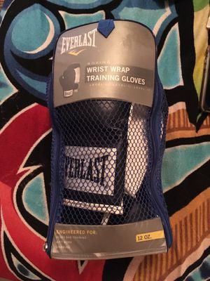 BOXING GLOVES WRIST WRAP TRAINING GLOVES $30 for Sale in Philadelphia, PA