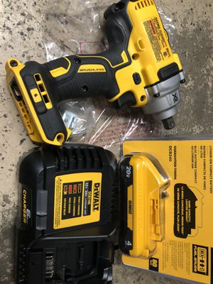 Dewalt dcf 894 impact wrench 1/2 with battery and charger dcb1106 ,6amp brand new for Sale in Tacoma, WA