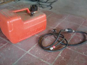 5 gallon gas tank with fuel line and primer ball for Sale in Salt Lake City, UT