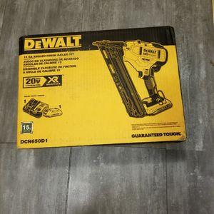 DEWALT 15GA Angled Finish Nailer Kit for Sale in Brooklyn, NY
