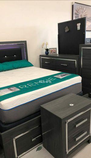 SPECIAL] Lodanna Gray LED Storage Bedroom Set byAshley for Sale in Jessup, MD