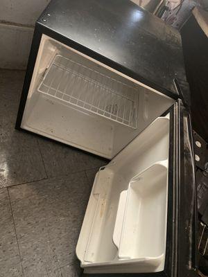 Mini refrigerator for Sale in Buena, WA
