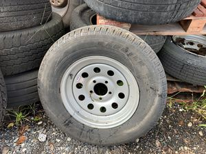 5 lug trailer rim for Sale in Fort Lauderdale, FL