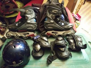 Roller skates complete kit with roller skate bag for Sale for sale  Allen Park, MI