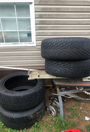 305 /42R22 Toyo proxes S/T for Sale in Columbia, TN