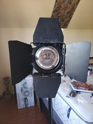 Stage / studio light with stand. for Sale in Las Vegas, NV