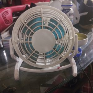Small but very powerful desk fan optional upward and downward adjustable for Sale in Long Beach, CA