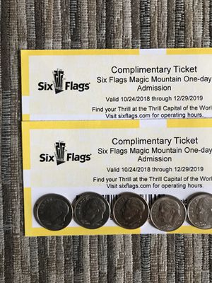 🎢❄️🎄🎁 SIX FLAGS MAGIC MOUNTAIN 🏔 (2) TICKETS 🎟🎟 $40 EACH FIRM 🎢❄️🎄🎁 for Sale in Lynwood, CA