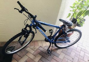 Brand new Roadmaster Granite Peak Men's Mountain Bike 26-inch wheels, Blue for Sale in Miramar, FL