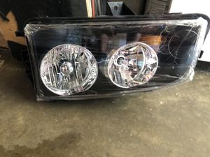 2010 dodge charger headlight. New. Never used for Sale in Garland, TX